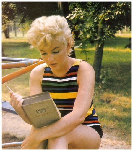 Marilyn Monroe - Joyce